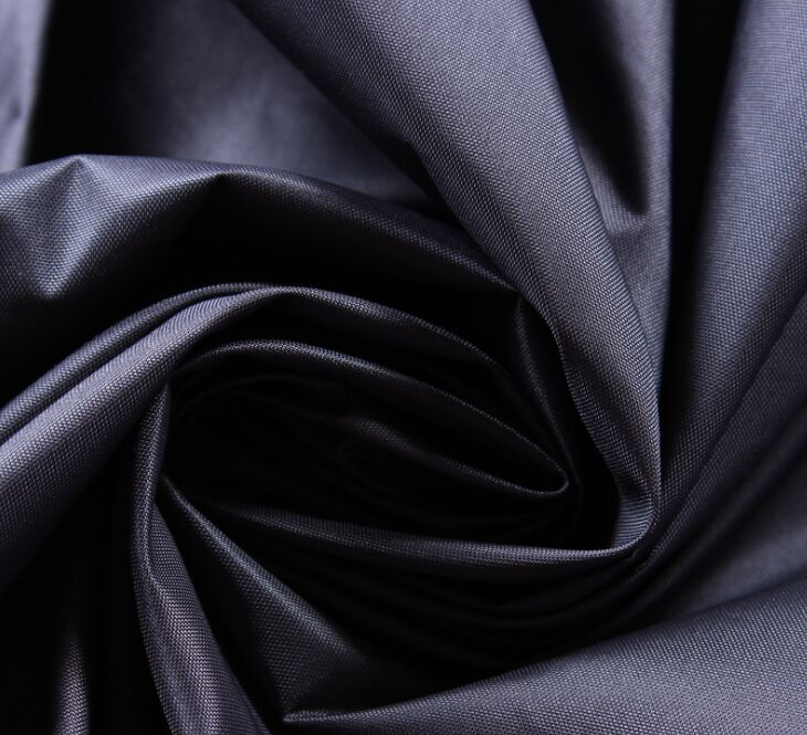 नायलॉन 210T तफ़ता कपड़ा 70 जीएसएम